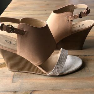 Woman's Chinese Laundry worn once wedges